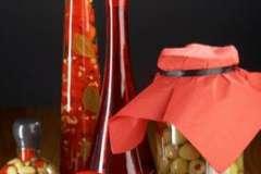 """Вкусные рецепты: Салат """"Мамина нежность"""", Маринованная дыня, Салат из селедки с кукурузой (вариант)"""